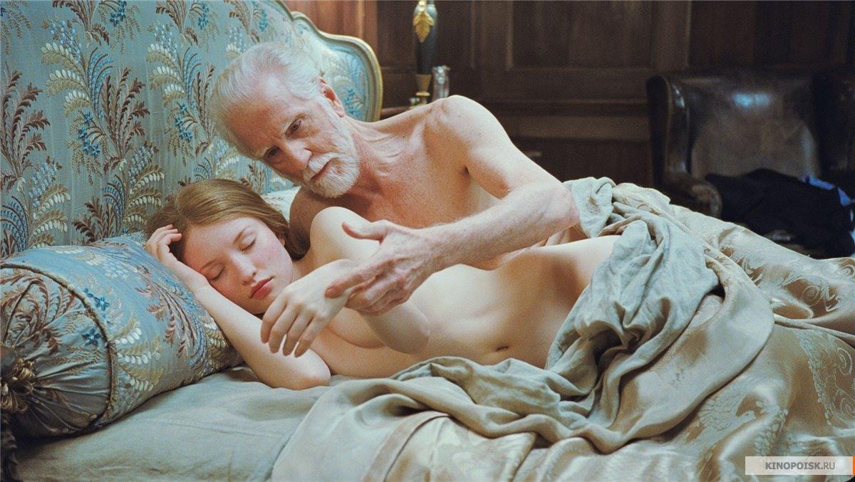 Сплю с голыми красотками 25 фотография