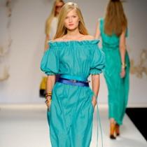 хочу длинное платье) да и вообще хочу много, много платьев)
