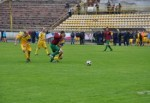Харьковские депутаты играют в футбол во Львове