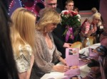 Милен Демонжо в Харькове раскрывала семейные тайны и раздавала автографы