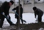 Китанин и Андреев поработали лопатами на Полтавском шляхе