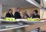 Харьковский губернатор побывал в школьных столовых