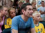 В одесском детдоме показали фильм «Чемпион из подворотни»