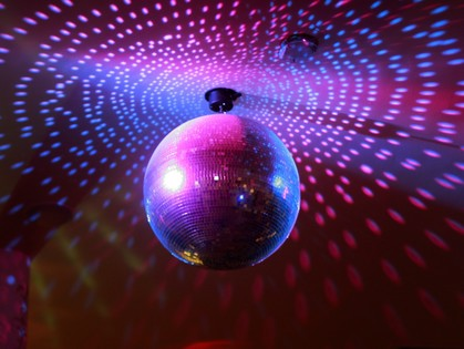 Танцуем в лучах софитов и любви