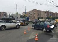 На Одесской столкнулись две иномарки (ФОТО, ВИДЕО)