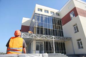 Накануне Дня строителя Юлия Светличная отметила рост темпов и объемов строительства в Харьковской области