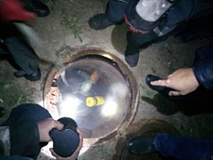 Полиция расследует убийство: уголовники сбросили еще живого собутыльника в шахту колодца