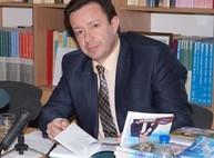 В Харькове телеведущий Игорь Жуков презентовал книгу в память об отце-поэте