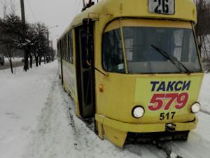 Трамвайный дрифт по снегу — на ХТЗ (ФОТО)