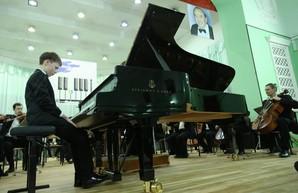 В Харькове стартовал XIII Международный конкурс юных пианистов Владимира Крайнева