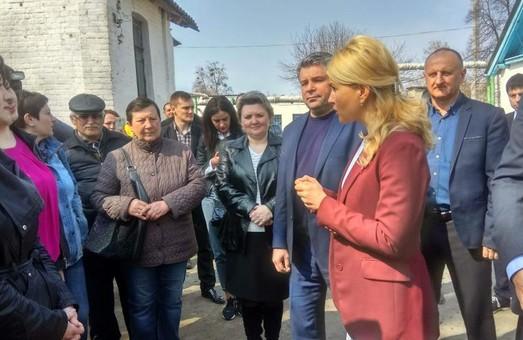 Светличная рассказала, какие объекты реконструируют и построят в Золочевском районе