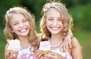 Фестиваль Dafi Twins Day собирает близнецов в Харькове