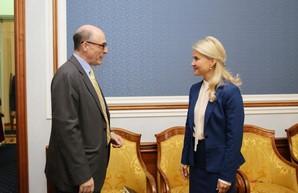 Светличная провела рабочую встречу с советником Посольства США по экономическим вопросам