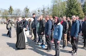 Весенний призыв: Из Харькова отправили первую команду срочников