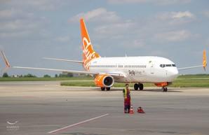 Аэропорт Ярославского в один день открыл два новых рейса — на итальянский Римини и Одессу