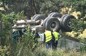 Падение грузовика с моста на Окружной: новые подробности (ВИДЕО)