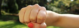 Жестокой дракой харьковских девочек-подростков занялась полиция (ВИДЕО)