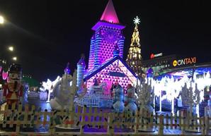 Как выглядит внутри нашумевший домик Деда Мороза в Харькове  (ФОТО, ВИДЕО)