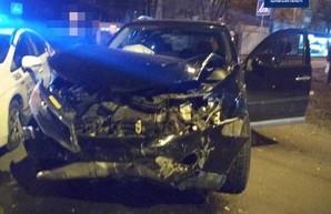 ДТП в Харькове: травмированы три человека (ФОТО)