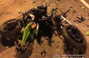 В Харькове мотоцикл столкнулся с иномаркой, водитель погиб (ФОТО)