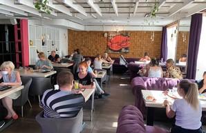 «Мы абсолютно чистые»: выяснилась причина массового отравления людей в харьковском ресторане (ФОТО)