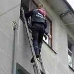 Харьковские спасатели на Новый год приводят жен на работу
