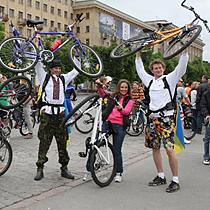 Харьковчане отказались от автомобилей (ФОТО)