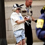 Ужос! 72-летний дедушка изнасиловал горничную