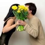 Жесть! Суд обязал мужчину дарить цветы жене