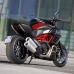 Первые официальные фото суперкруизера Ducati Diavel (ФОТО)