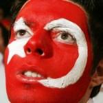 Полуфинал Евро-2008: турки снова сравняли счет - 2:2 (видео гола)
