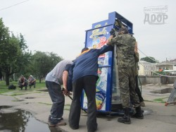 Что в Харькове делают с незаконными киосками