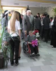 Дети-колясочники впервые в Харькове пошли в обычные школы
