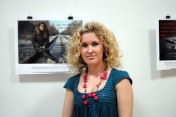 Выставка социальной фотографии «Стоять спиной легче, чем посмотреть проблеме в глаза»