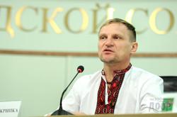 Олег Скрипка: «Мрію аби писанки і вишиванки замінили іржаві воєнні машини назавжди…»