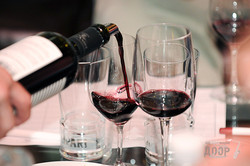 Виноделы из Франции провели дегустацию в салоне In Vino