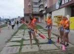 В Харькове чиновники и модели вышли на субботник
