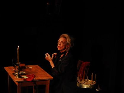 Спектакль для отчаянных любителей театра и Достоевского открыл второй день «Театроника»
