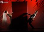 «Прекрасные цветы» показали «Красный» спектакль о любви