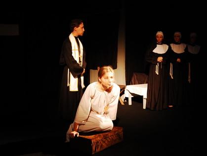 Вся правда о «Монахине»: в «Кімнате Т» поставили спектакль по скандальному роману Дидро