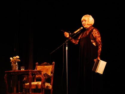 Разговор с кумиром поколений: Ада Роговцева провела творческую встречу в Харькове