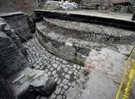 Археологи нашли в центре Мехико древний ацтекский храм (ФОТО)