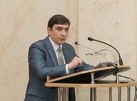 Экс-чиновник ХОГА из команды Добкина прячется от правосудия в Омске