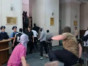 МВД ищет свидетелей беспорядков у горсовета и дома Добкина