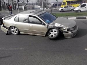На проспекте Гагарина минивэн протаранил «Nissan»: есть пострадавшие (ФОТО)