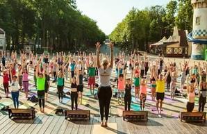 В Харькове проходит фестиваль йоги: расписание