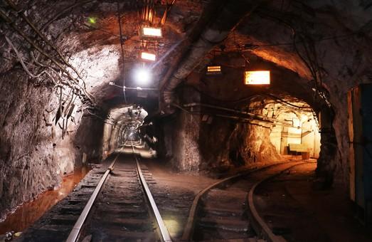 Владелец DCH Александр Ярославский рассчитался с Evraz'ом за покупку рудника «Сухая Балка»