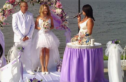 Олег Винник и брак без обязательств: харьковчане могут стать свидетелями на свадьбе и бесплатно послушать «звезду разведенок»