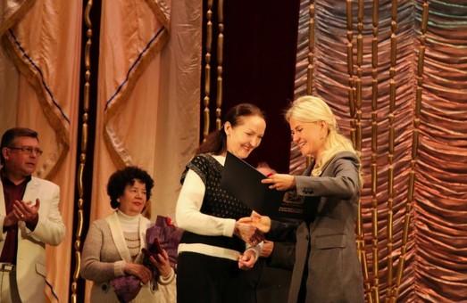 Светличная встретилась с коллективом Харьковского театра музкомедии