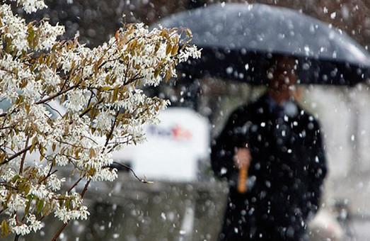Мокрый снег и шквальный ветер: Харьковчан предупреждают о резком ухудшении погоды